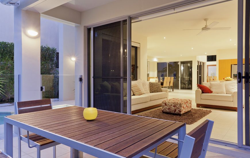8 Key Features of Aluminium Sliding Doors