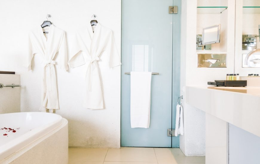 How to choose the right fixtures for your bathroom