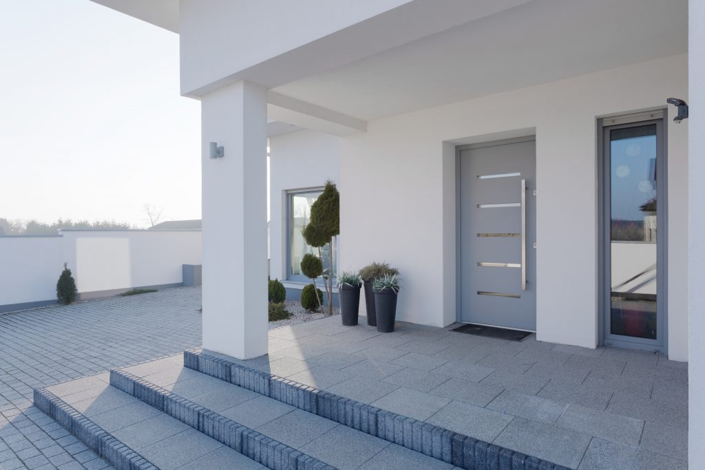 Single hinged doors