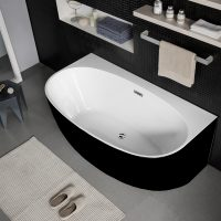 Morocco Back to the Wall Black & White Bath