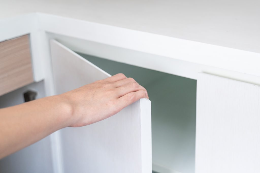 hand Open Cabinet white