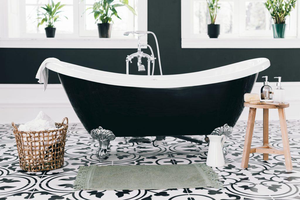 black claw foot bath