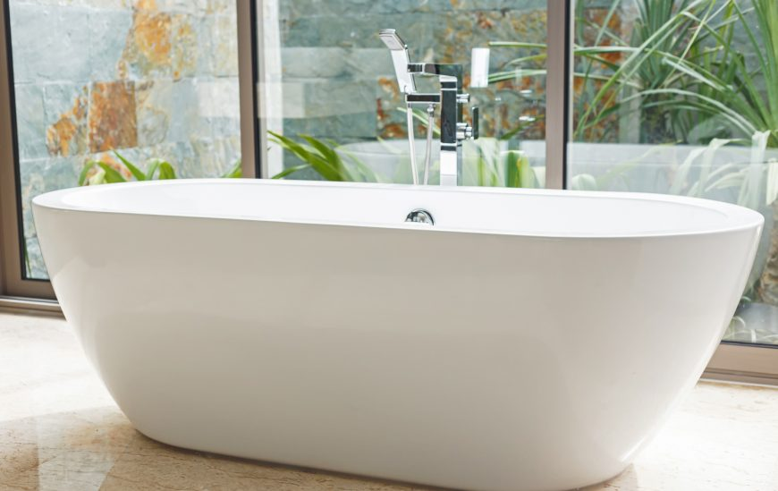The Ultimate Free Standing Bath Buying Guide