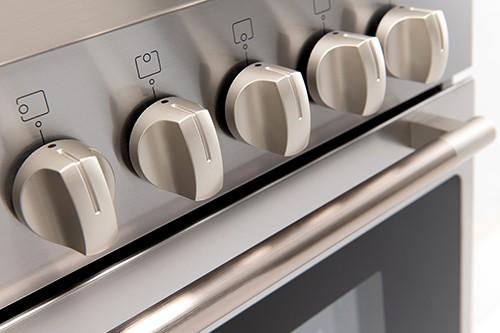 90cm Dual Fuel Freestanding Oven - Control Dials