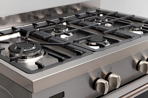 90cm Dual Fuel Freestanding Oven - Cooktop