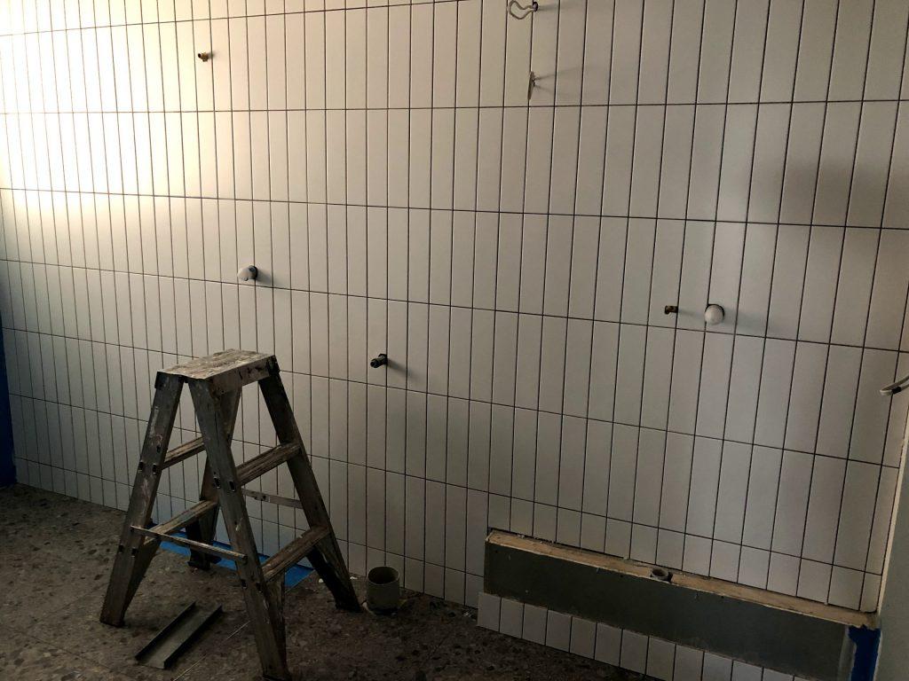 subway bathroom feature tile